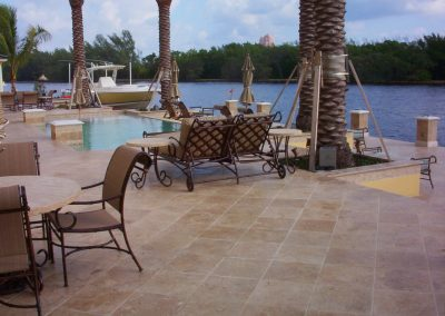 WALNUT TRAVERTINE OUTDOOR TILES